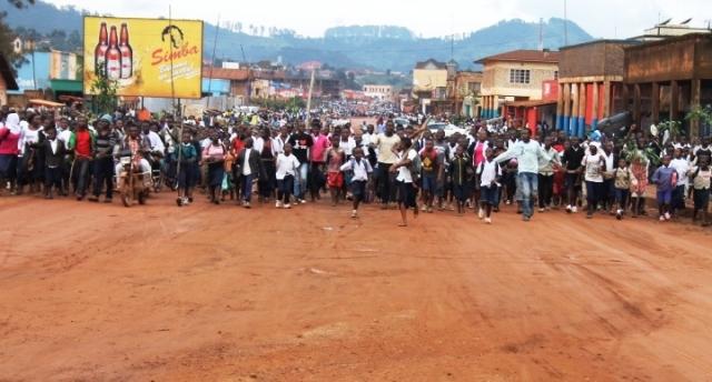 Les élèves de Butembo manifestent contre les massacres des populations civiles de Beni. Crédit photo : Nguru Wasingya Anselme